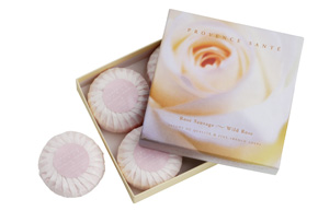Giftbox 4 soaps of 75g ( 2.7 oz) Wild rose